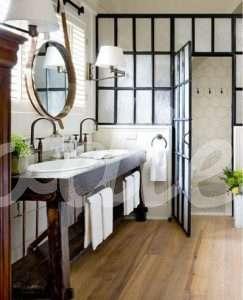 Baño rústico con hierro forjado | Woodies