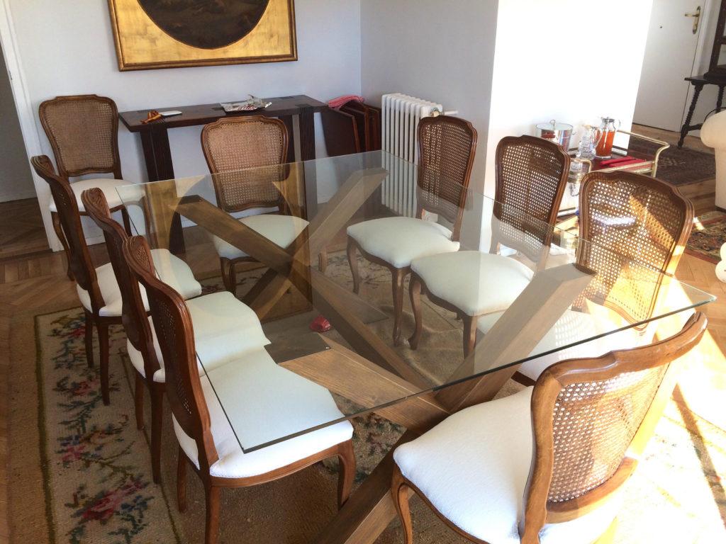 Combina para triunfar mesas de madera y cristal muebles for Mesas de salon de cristal