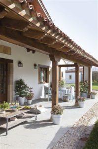 Cómo decorar tu porche en tonos blancos | Woodies