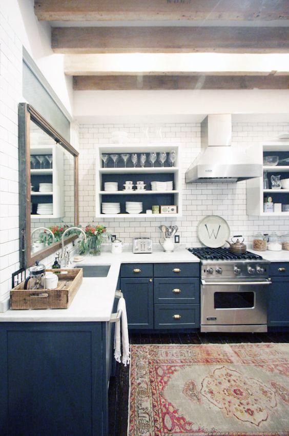 Armarios de cocina azul oscuro | Woodies