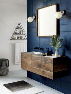 Azul marino en baño | Woodies