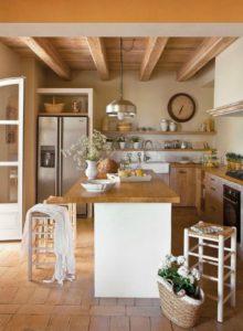 Isla de cocina en madera y blanco | Woodies