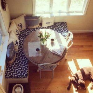 Mesas de comedor para espacios peque os muebles r sticos for Sillones para apartamentos pequenos