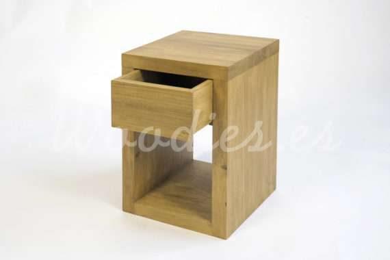 Mesita de madera de woodies