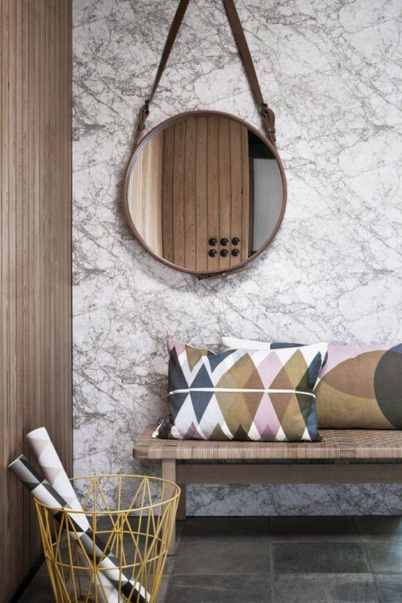 Bancos de madera en diferentes estilos decorativos