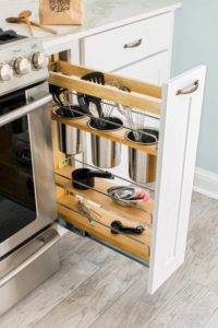 trucos para mantener el orden en pisos pequeños con almacenaje vertical