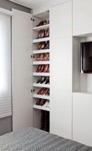 mantener el orden en pisos pequeños con trucos de almacenaje vertical