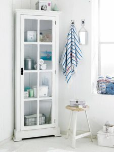 trucos mantener el orden en pisos pequeños aprovechando las esquinas