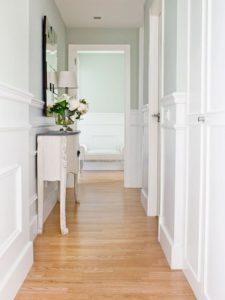 Cómo hacer que tu casa parezca más grande con colores claros