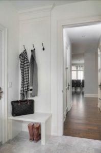 muebles de madera para decorar tu recibidor