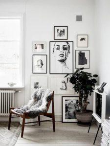 decorar con diferentes cuadros y fotografías