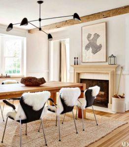 mesa de comedor con sillas de piel