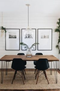 mesa de madera con patas radiales