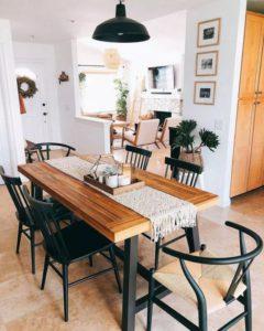 mesa de comedor y mantel