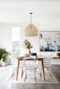 Ideas comedores de madera blancos y luminosos