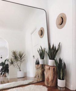 decorar con techos bajos espejos
