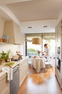Blanco beige combinación acogedora cocina
