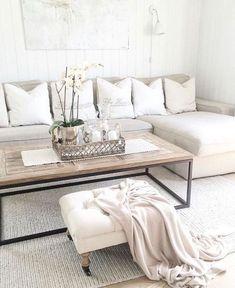 Blanco y beige combinación acogedora para salones