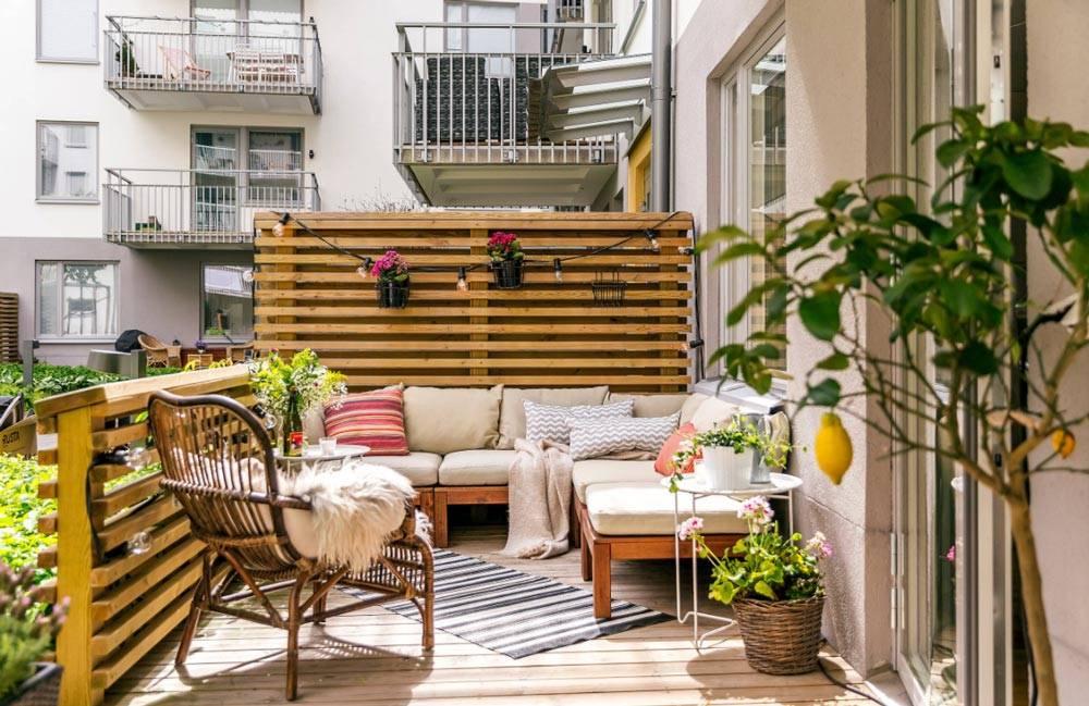 Ideas sorprendentes para decorar tu balcón sofás
