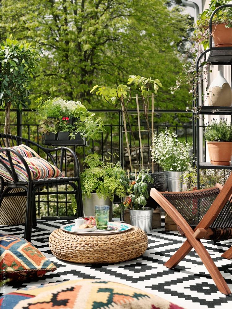 Ideas sorprendentes para decorar tu balcón textiles