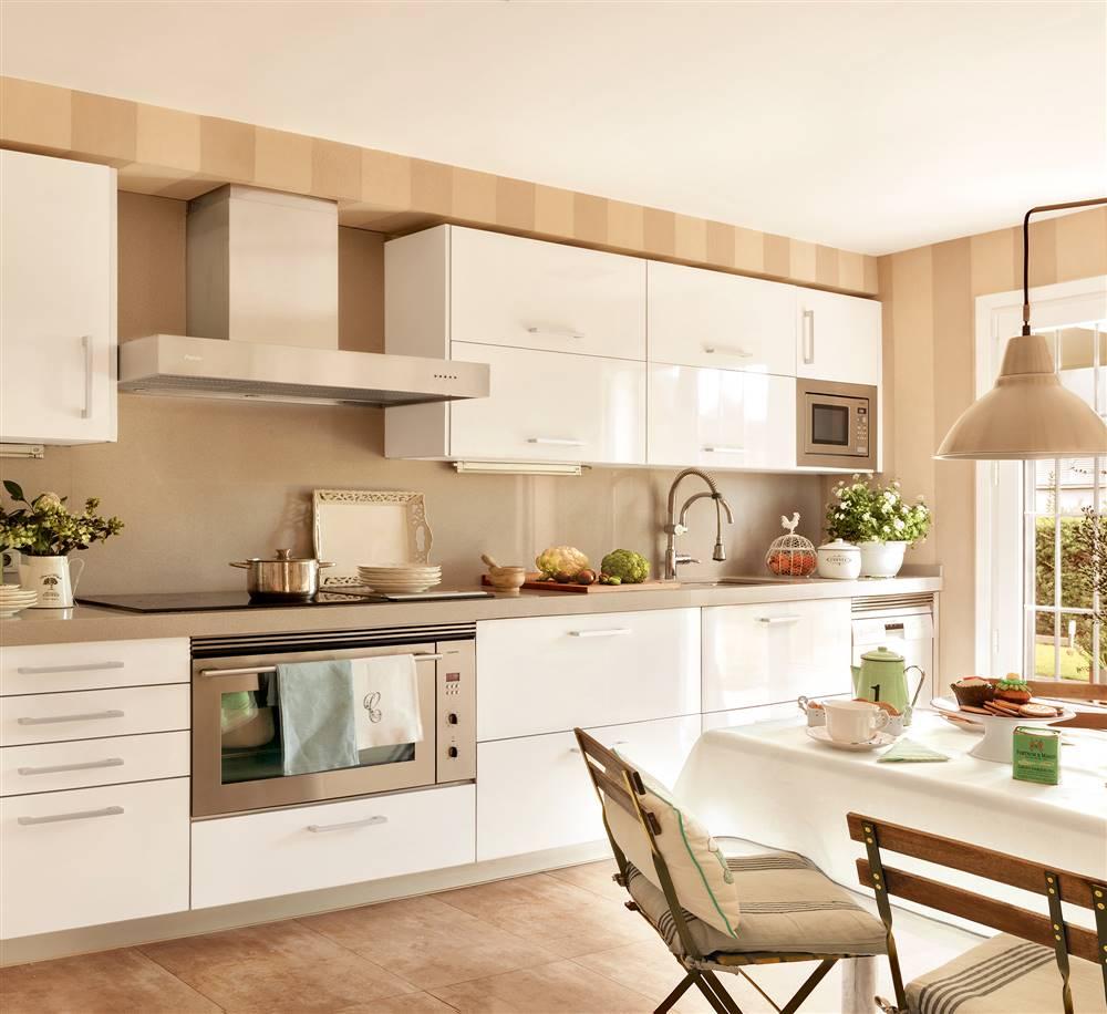 Blanco beige combinación acogedora para cocinas