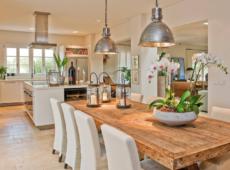 Mesas de comedor rústicas en diferentes estilos decorativos