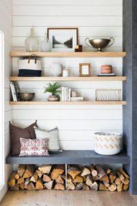colocar un banco de madera salón