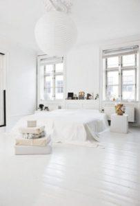 muebles claros para aumentar la luminosidad