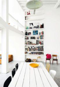 muebles claros para unificar espacios