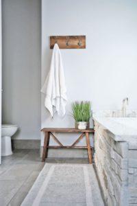 banco de madera baño